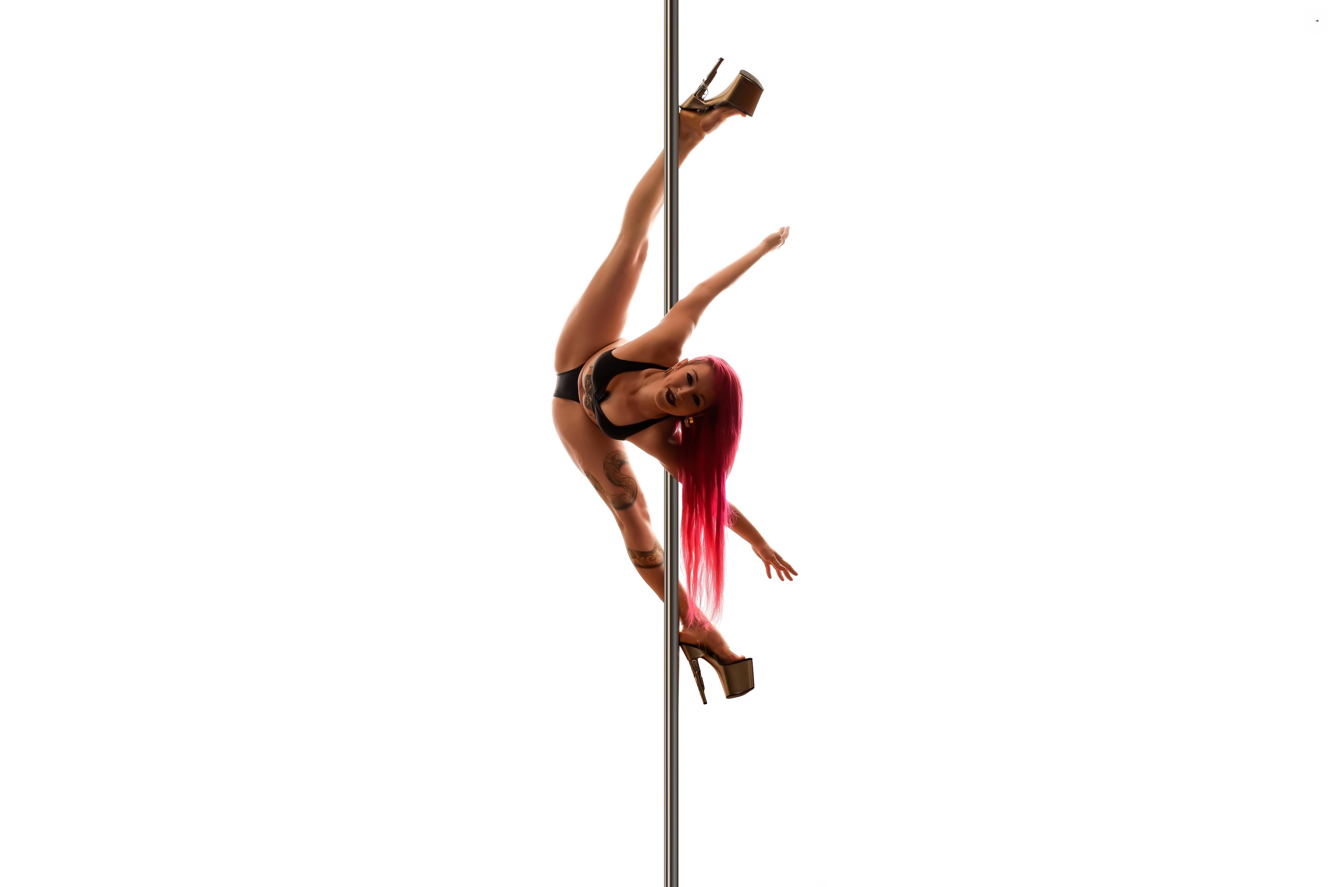 Advanced Pole Pole Dance Kurse für Fortgeschrittene Mandy Candy's Pole Dance Studio